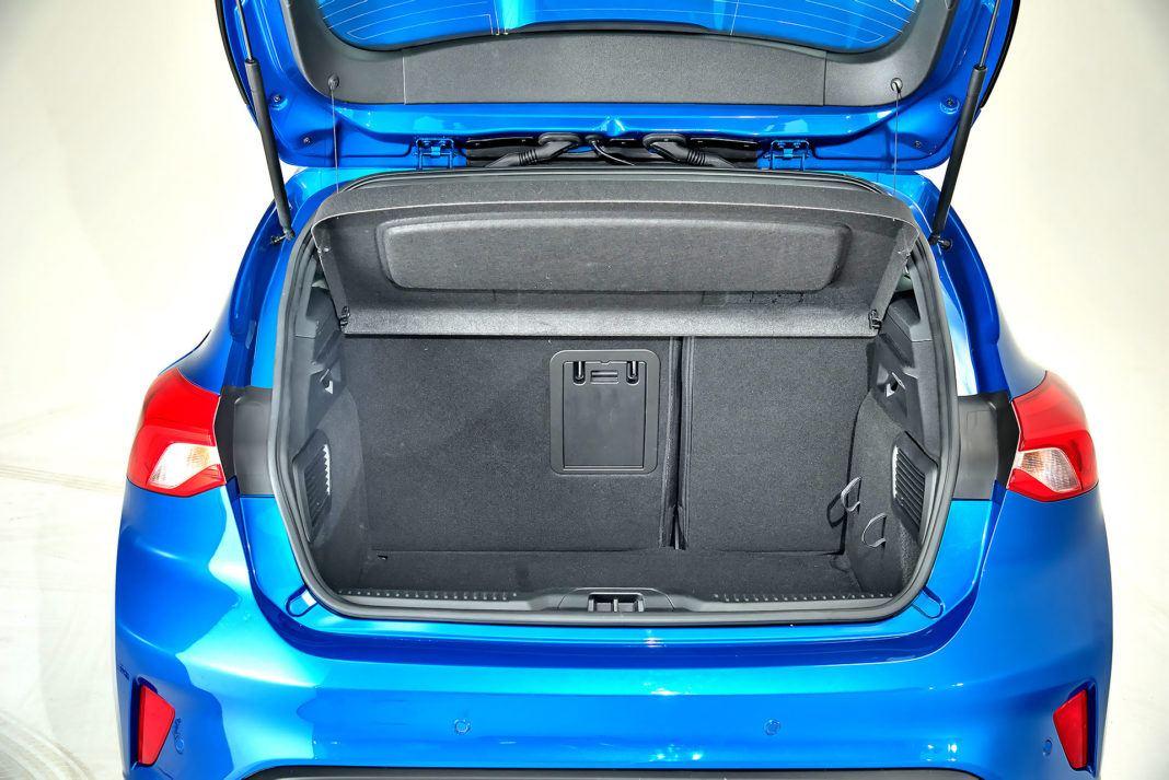 Nowy Ford Focus -bagażnik kombi