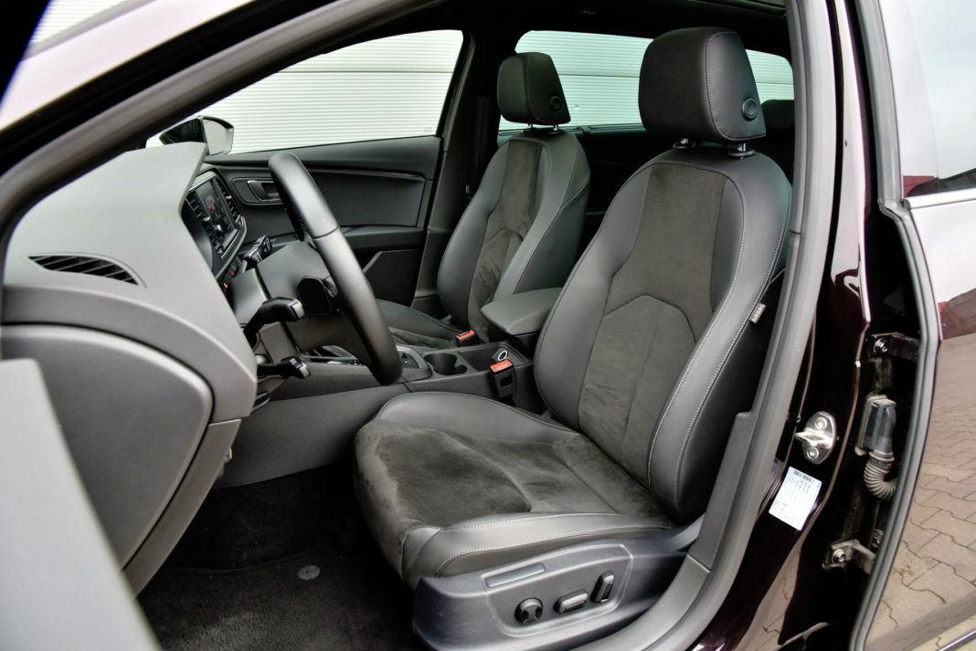 Seat Leon - fotel kierowcy