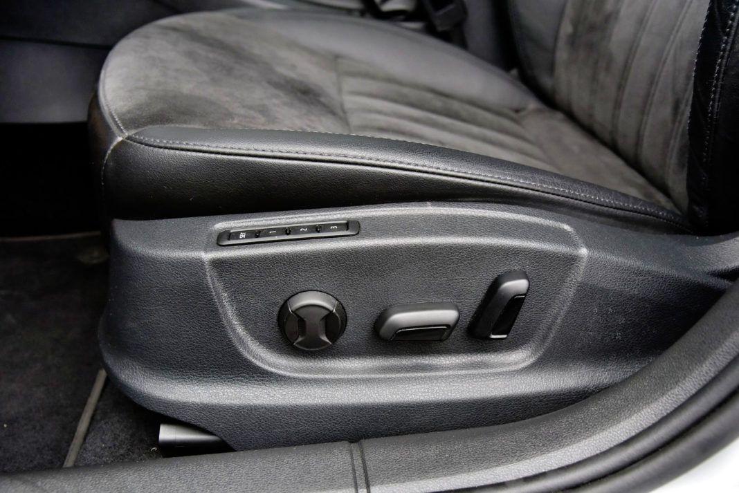 Skoda Octavia - elektryczna regulacja foteli