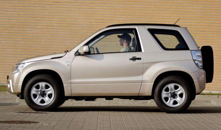 Suzuki Grand Vitara 3d - bok