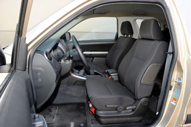 Suzuki Grand Vitara 3d - fotel kierowcy