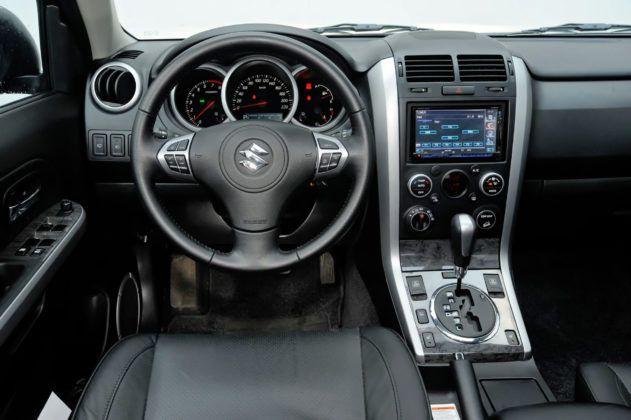 Suzuki Grand Vitara - deska rozdzielcza