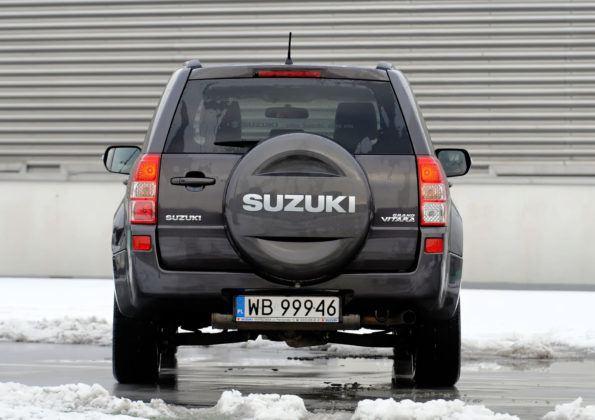 Suzuki Grand Vitara - tył