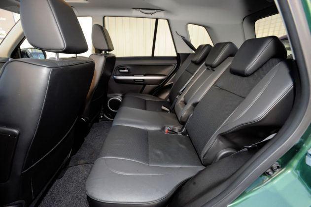 Suzuki Grand Vitara - tylna kanapa