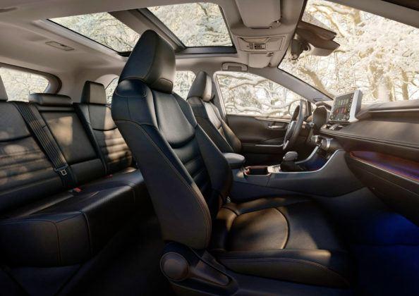 Toyota RAV4 V (USA) - wnętrze