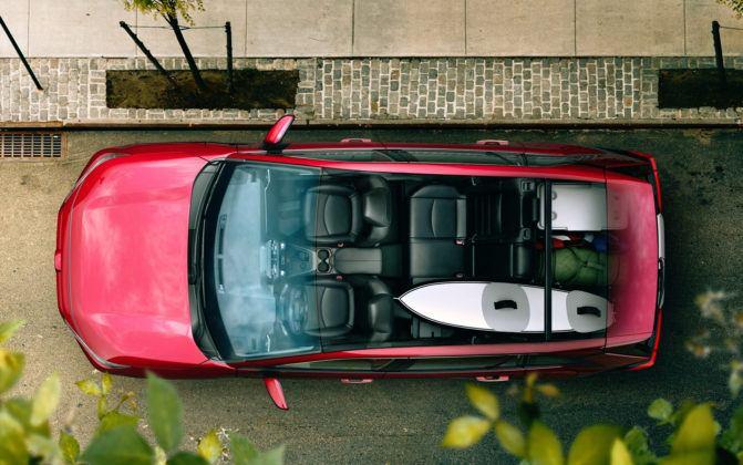 Toyota RAV4 V - wnętrze