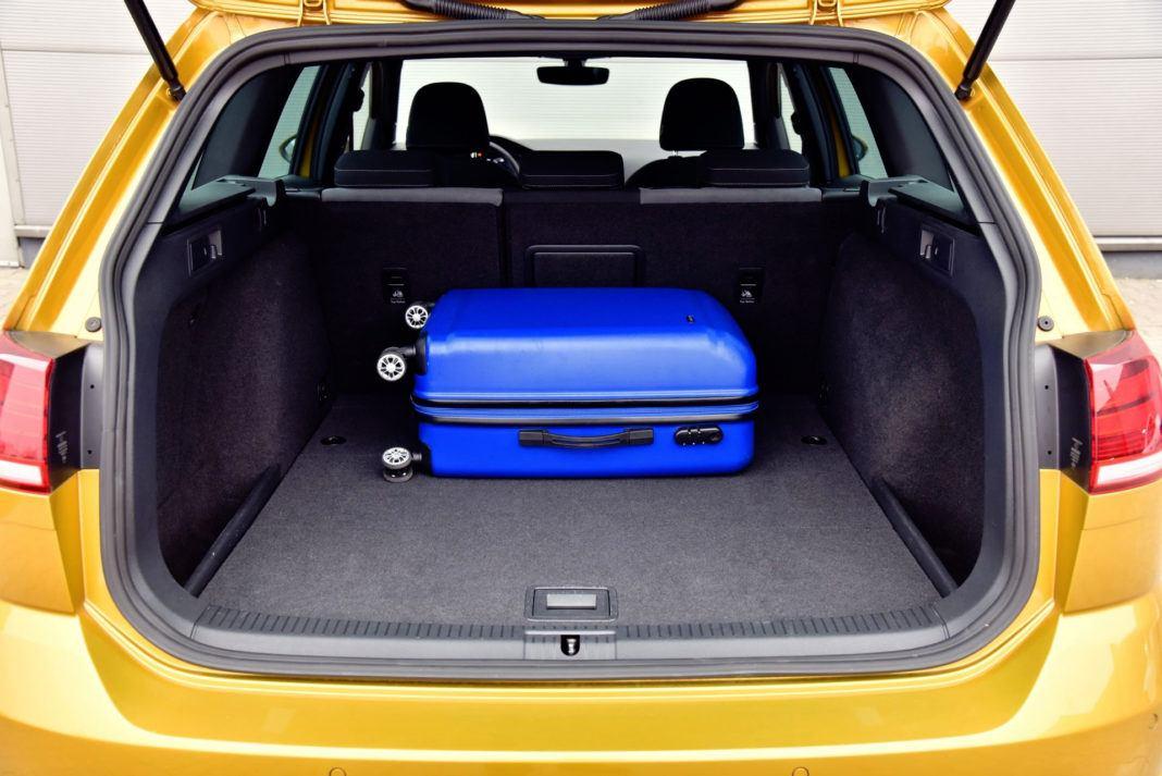 Volkswagen Golf - bagażnik