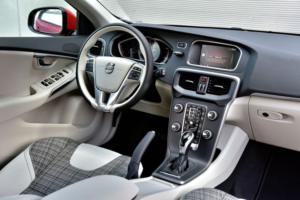 Volvo V40 - deska rozdzielcza