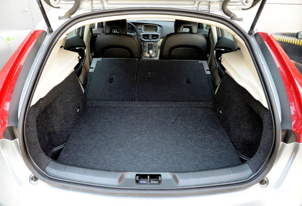 Volvo V40 - powiększony bagażnik