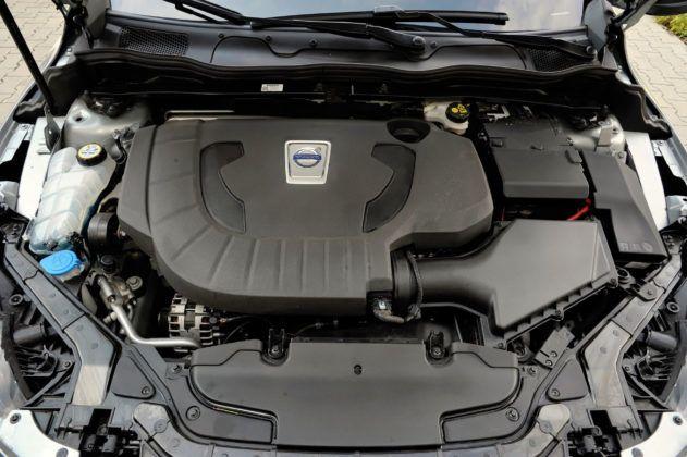 Volvo V40 - silnik