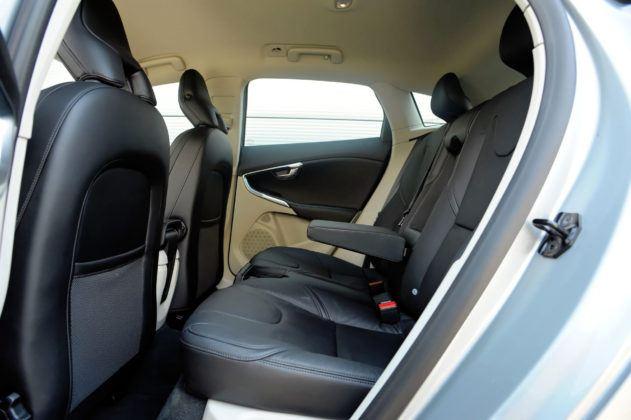 Volvo V40 - tylna kanapa