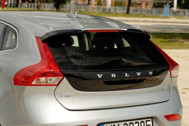 Volvo V40 - tylna szyba