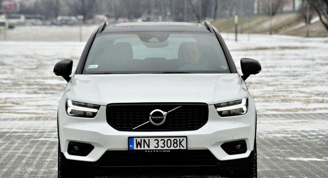 Volvo XC40 - przód