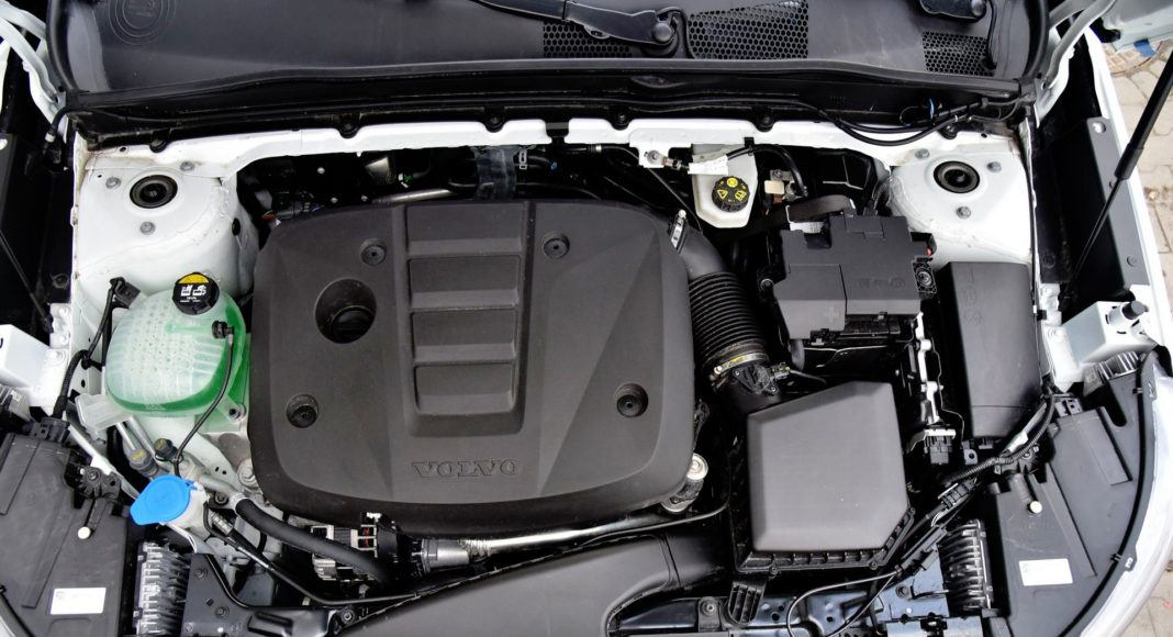 Volvo XC40 - silnik