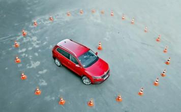 Średnice zawracania w SUV-ach - otwierające
