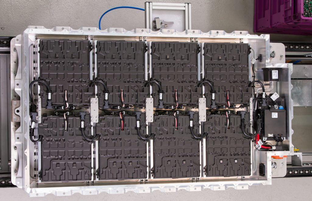 Kompletny pakiet akumulatorów dla BMW i3. (fot. BMW)