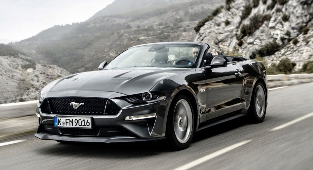 Ford Mustang Convertible - dynamiczne