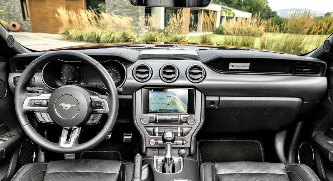 Ford Mustang FL - deska rozdzielcza