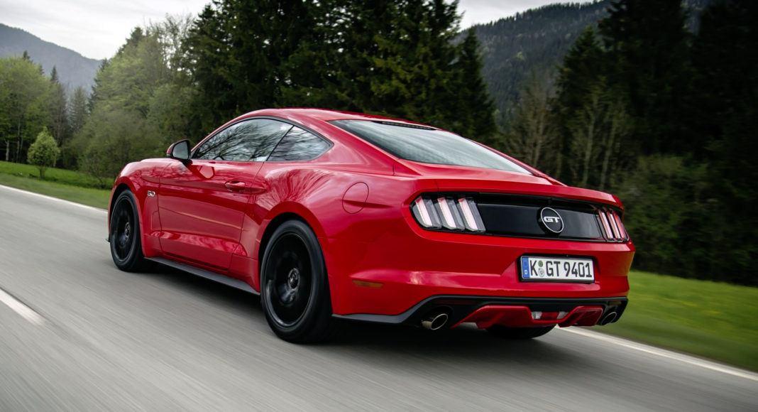 Ford Mustang przedlift - dynamiczne
