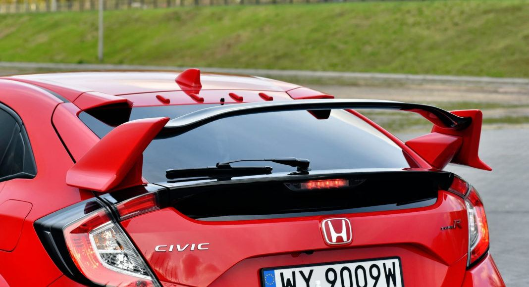Honda Civic Type R - spojler
