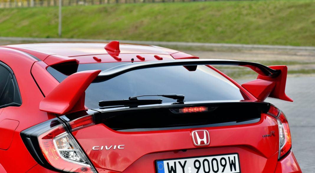 Honda Civic Type R - spojler