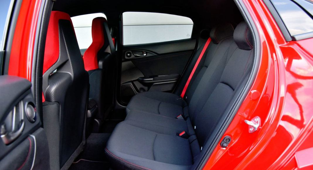 Honda Civic Type R - tylna kanapa