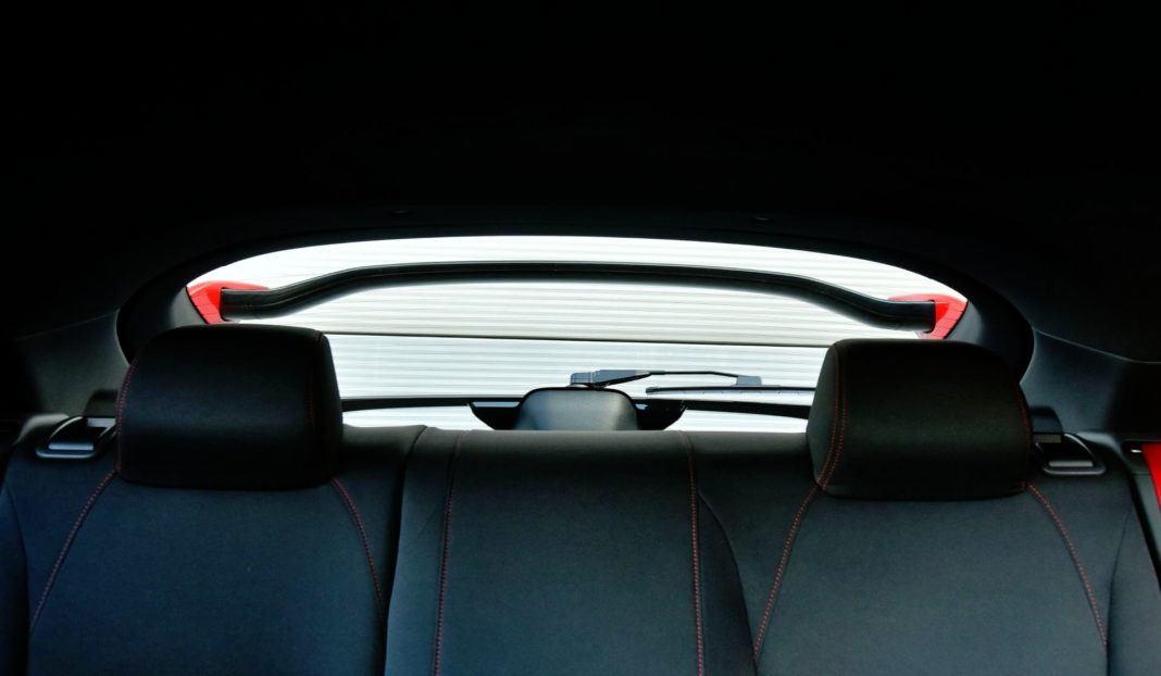 Honda Civic Type R - tylna szyba