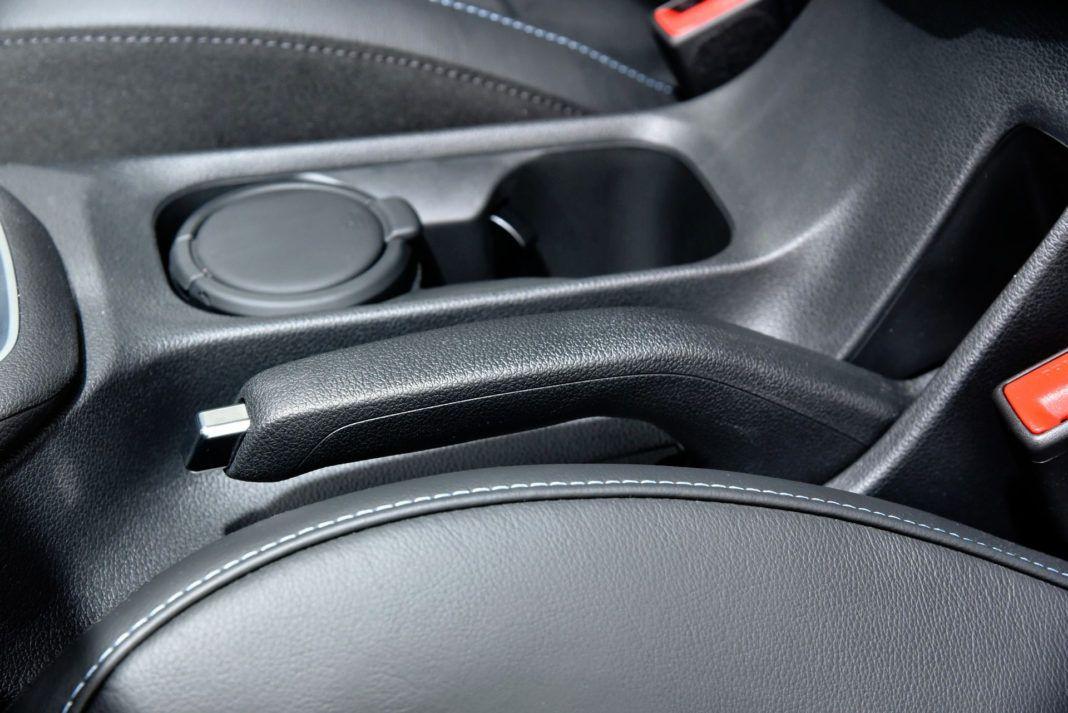 Hyundai i30 N - hamulec ręczny