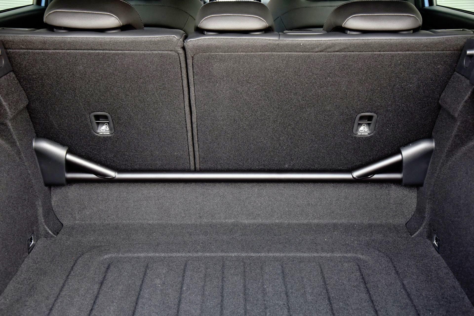 Hyundai i30 N - rozpórka