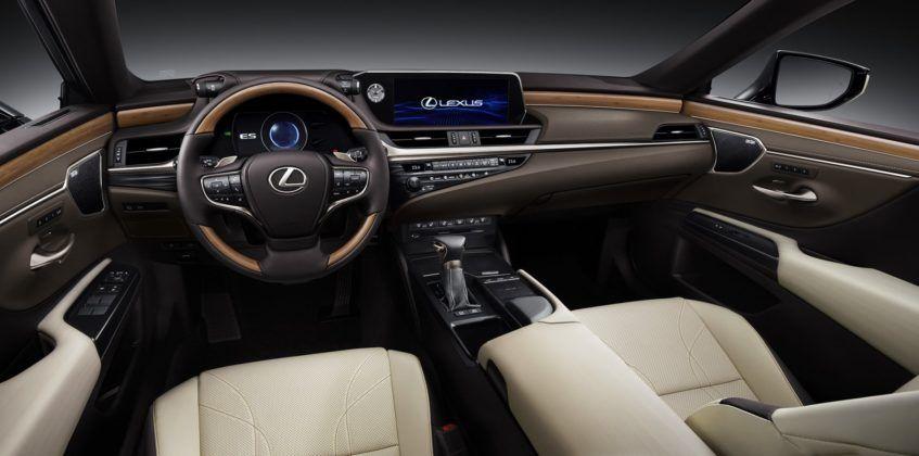 Lexus ES (2019) - kokpit