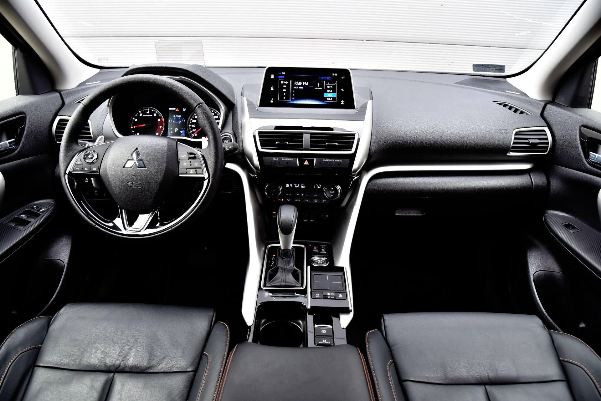 Mitsubishi Eclipse Cross - deska rozdzielcza