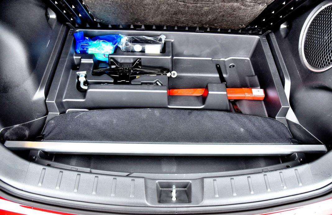 Mitsubishi Eclipse Cross - schowek w bagażniku