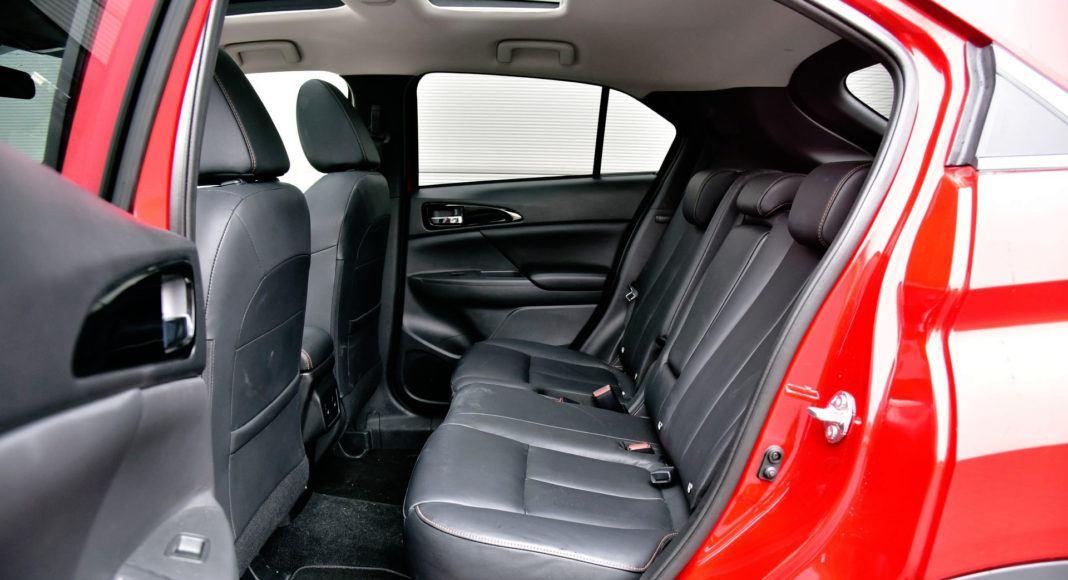 Mitsubishi Eclipse Cross - tylna kanapa