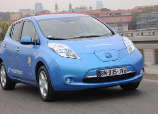 Dlaczego samochody elektryczne są drogie? Ile kosztuje akumulator?