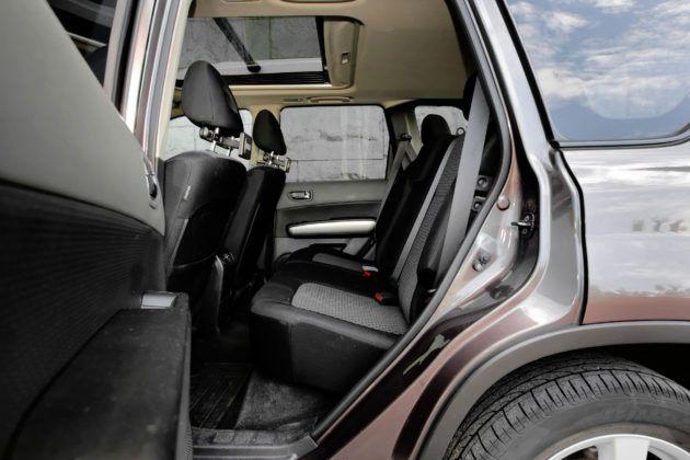 Nissan X-Trail - tylna kanapa