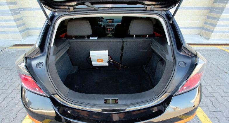 Opel Astra III 3d - bagażnik