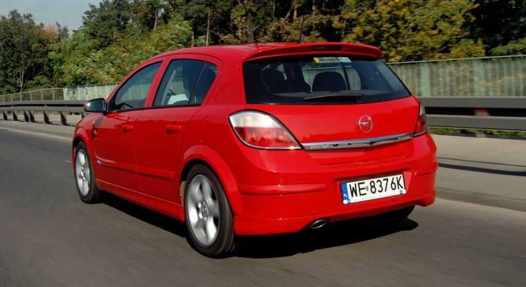Opel Astra III - dynamiczne