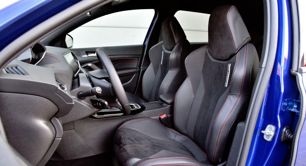 Peugeot 308 GTi - fotel kierowcy