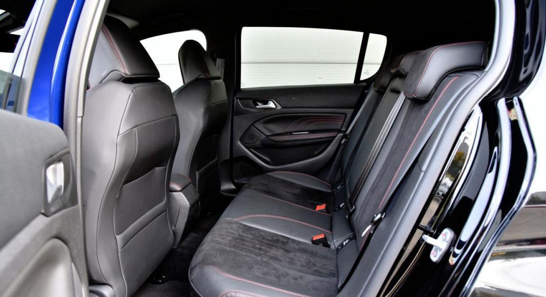 Peugeot 308 GTi - tylna kanapa