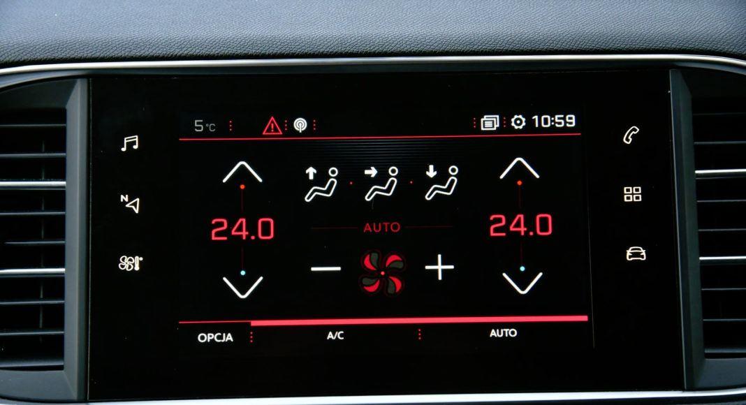 Peugeot 308 GTi - wyświetlacz