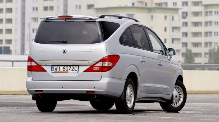SsangYong Rodius - tył