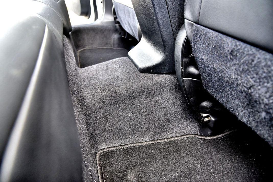 Subaru XV - tunel środkowy