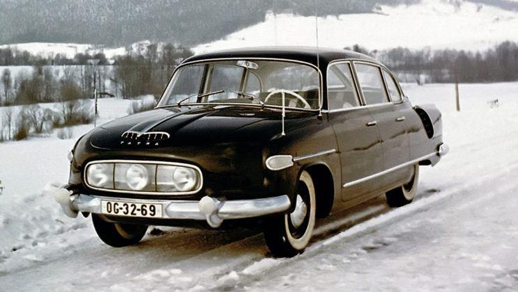 Tatra T603 - pierwsza seria ze skrętnym środkowym reflektorem