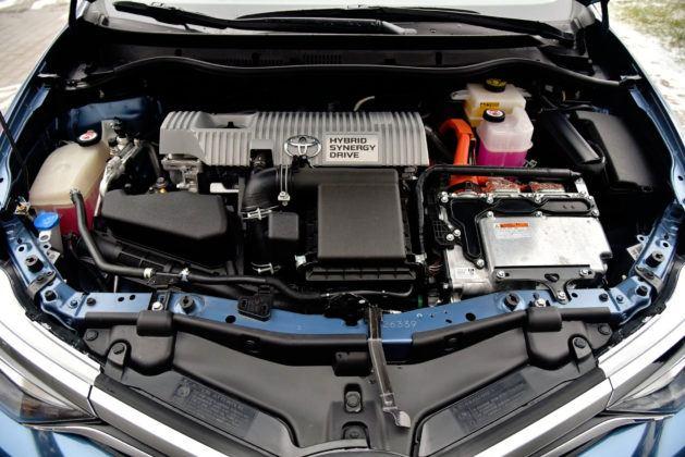 Toyota Auris Hybrid - silnik