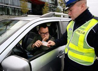 Brak dokumentu nie zwolni z zatrzymania prawa jazdy