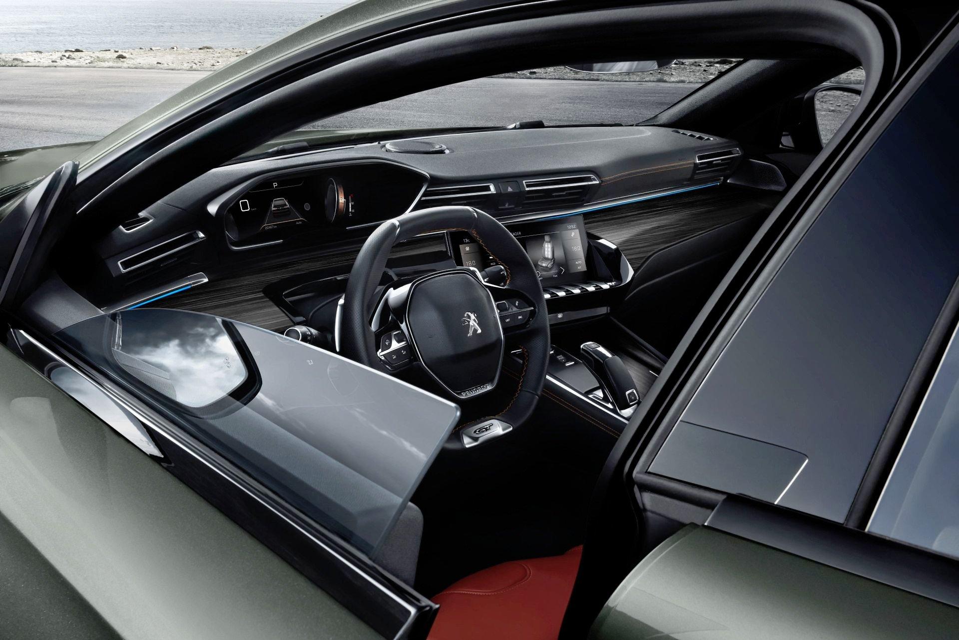 Peugeot 508 SW - deska rozdzielcza