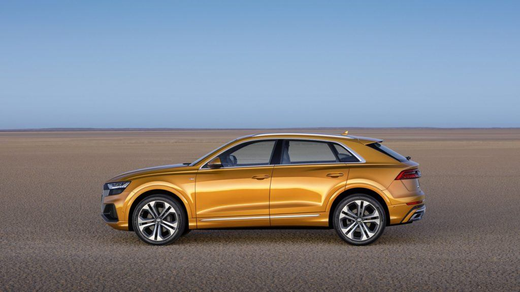 Audi Q8 (2019) – bok