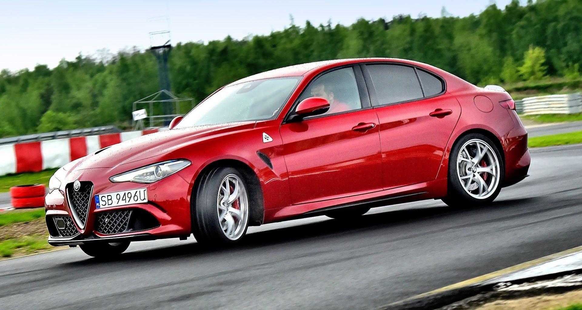 Alfa Romeo Giulia Quadrifoglio - dynamiczne