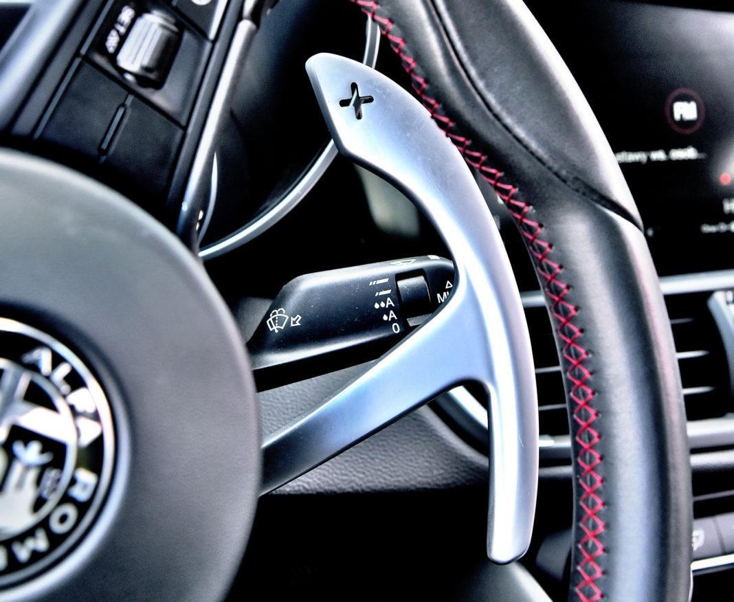Alfa Romeo Giulia Quadrifoglio - manetki