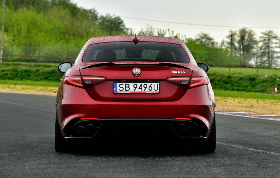 Alfa Romeo Giulia Quadrifoglio - tył